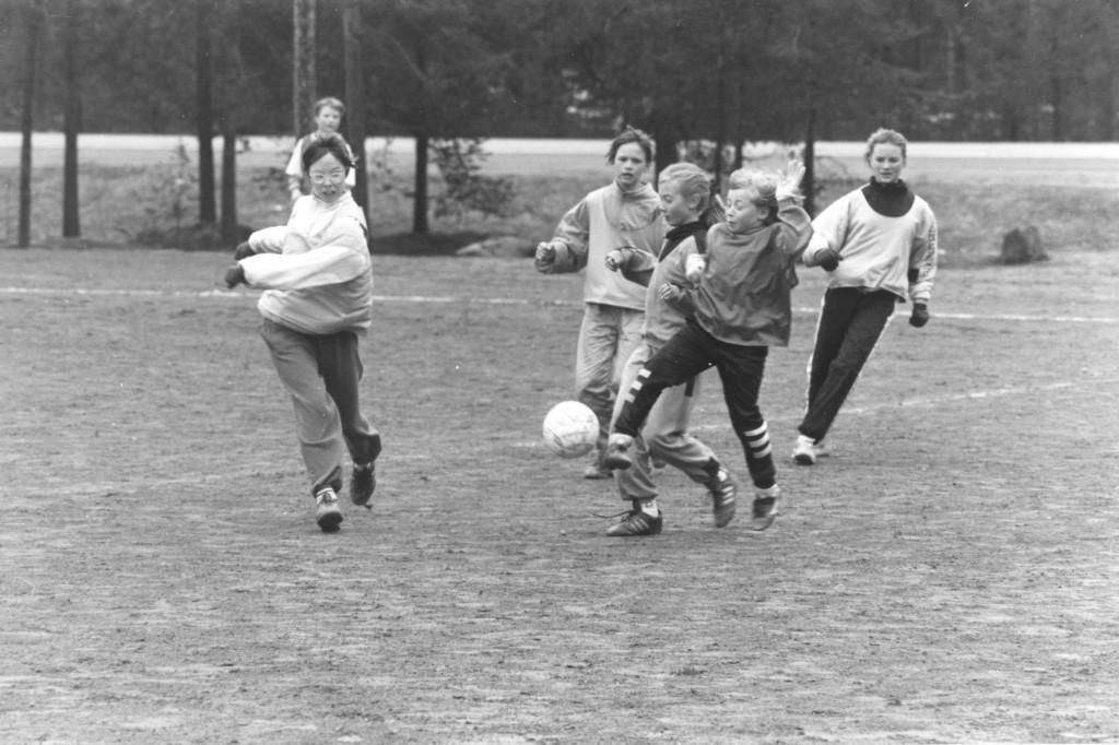 Tyttöjen jalkapallo-ottelu